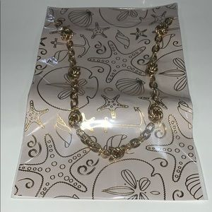 Gold Banana Republic chain necklace